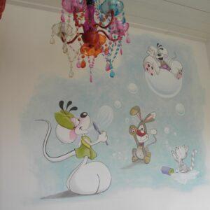 Diddl muurschildering babykamer