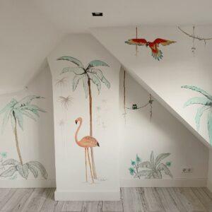 Jungle muurschildering voor in de kinderkamer met dieren en veel groen