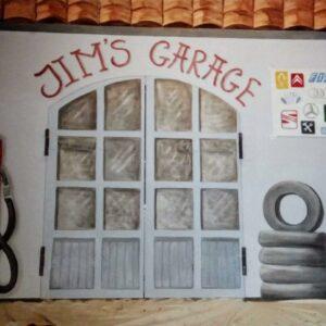 Muurschilderingen kinderkamer van een ingang van een autogarage